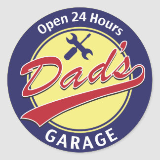 """Sign """"Dad's Garage"""" with editable text Classic Round Sticker"""
