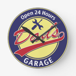 "Sign ""Dad's Garage"" with editable text Round Clock"