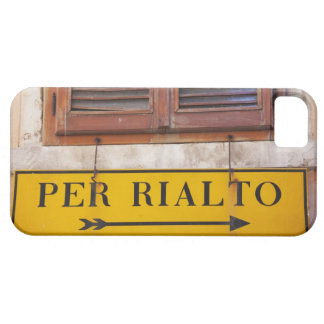 Sign pointing the way to the Rialto Bridge, iPhone 5 Covers