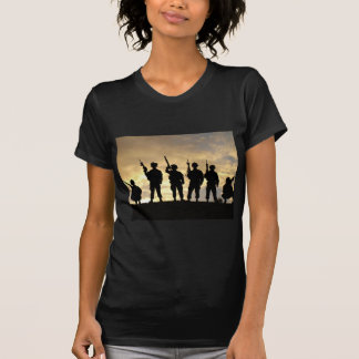 Silhouette of Soldiers in 101st Airborne Division T-Shirt