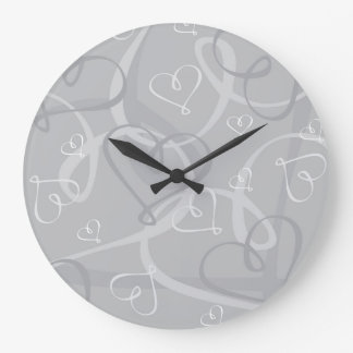 Silver heart pattern wall clock