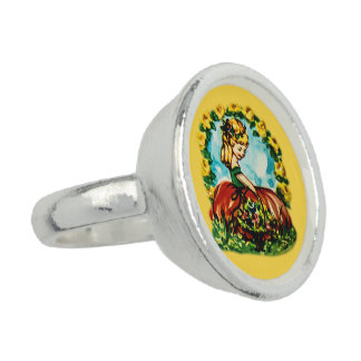Silver plated ring with vintage girl motive