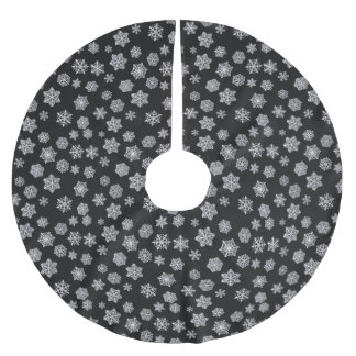 Silver snowflakes on a black background brushed polyester tree skirt