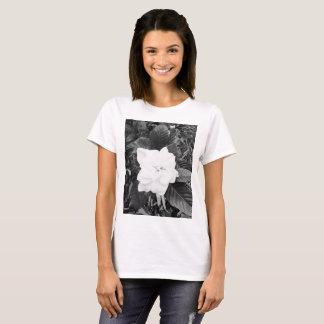 Simple Gardenia T-Shirt