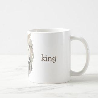 Simple lion king with polygonal geometric design coffee mug