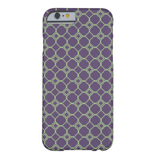 Simple Quatrefoil Pattern in Purple and Lime Green Barely There iPhone 6 Case