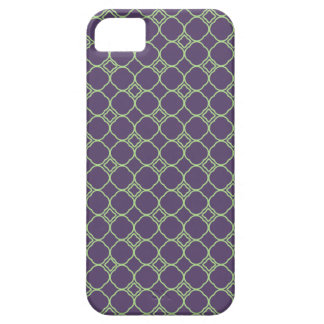 Simple Quatrefoil Pattern in Purple and Lime Green iPhone 5 Case