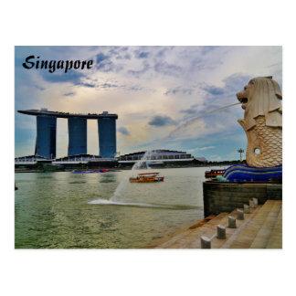 Singapore: Merlion and Marina Bay Sands Hotel Postcard