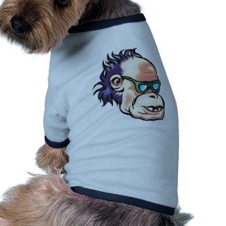 Singe dans des lunettes de soleil t-shirt pour animal domestique