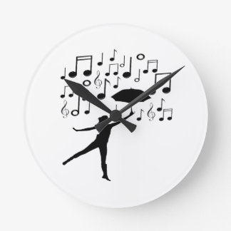 Singing in The Rain Round Clock