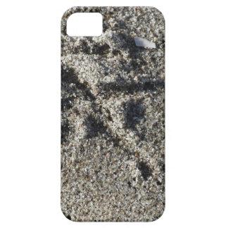 Single footprint of seagull bird on beach sand iPhone 5 cover