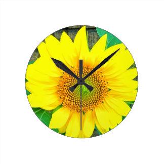 Single Vibrant Sunflower Round Clock