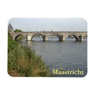 Sint Servaas Bridge, Maastricht Magnet