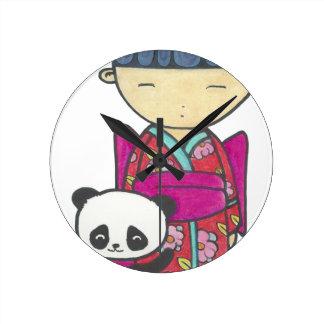 Sishu and bamboo round clock