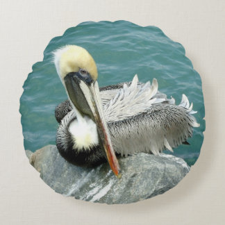 Sitting Pelican Round Pillow