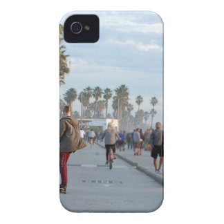 skating to venice beach iPhone 4 cover