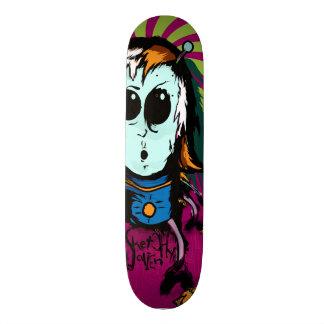 Sketchy Alien Exists & Lives on Your Skate Deck