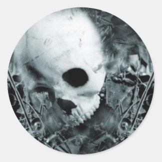 Skull 1 round sticker