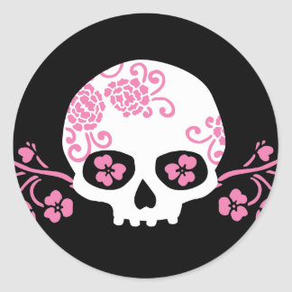 Skull and Pink Flower Pattern Classic Round Sticker
