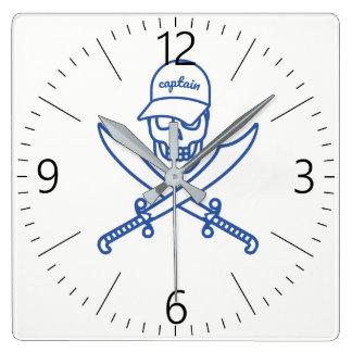 Skull and swords clock