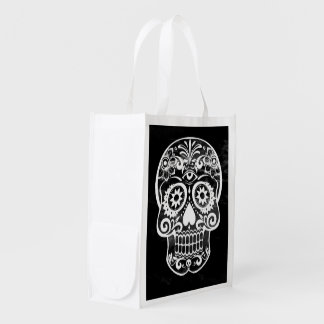Skull black and white 04 grocery bags