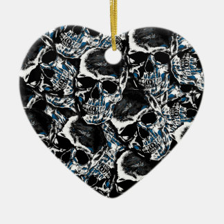 Skull pattern ceramic heart ornament