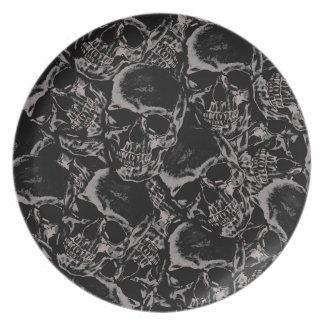 Skull pattern plate