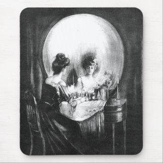 Skull Surprise 1: Halloween Mousepad