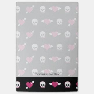 Skulls and hearts post-it notes