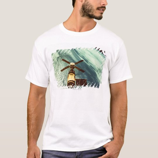 Skylab Space Station in Space T-Shirt