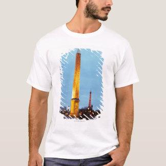 Skyline at dusk of 'Place de la Concorde' with T-Shirt