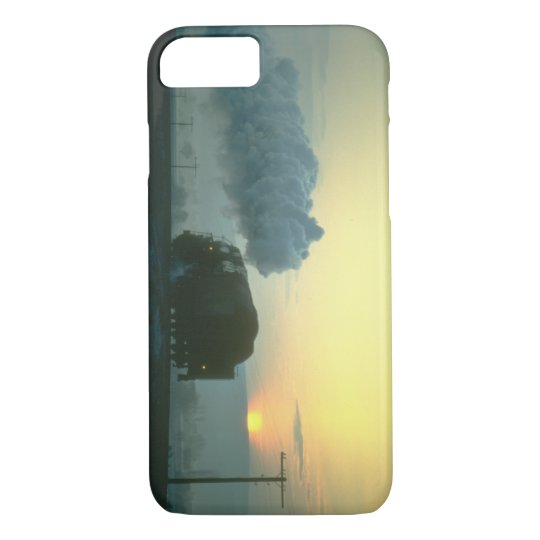 Skyliner 2-10-0 leaves_Steam Trains iPhone 8/7 Case