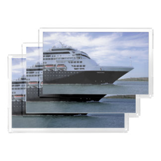 Sleek Cruise Ship Bow Acrylic Tray