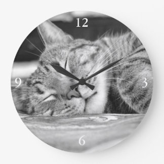 Sleeping Kitty Clock
