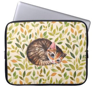 Sleepy cat, floral background laptop sleeves