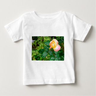 Small autumn rose with droplets baby T-Shirt