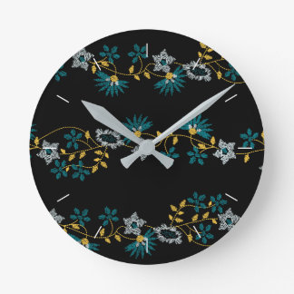 Small floral stripes round clock