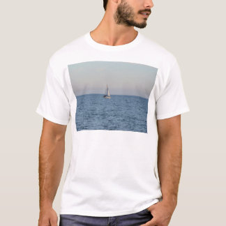 Small Yacht Offshore. T-Shirt