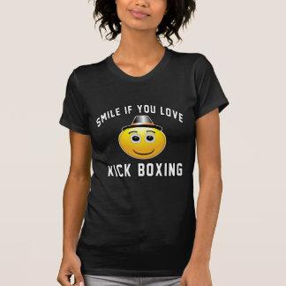 Smile if you love Kick Boxing. T-Shirt