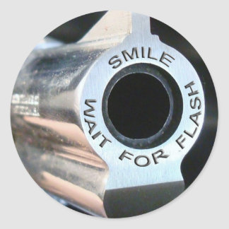 Smile-wait for flash.jpg round sticker
