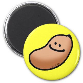 Smiley peanut magnet