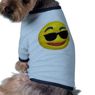 smiley portant les lunettes foncées du soleil manteaux pour animaux domestiques