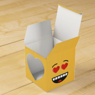 Smiling Face with Heart-Shaped Eyes Favor Box