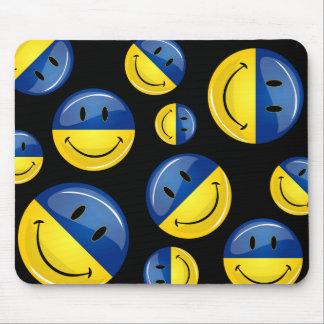 Smiling Round Ukrainian Flag Mouse Pad