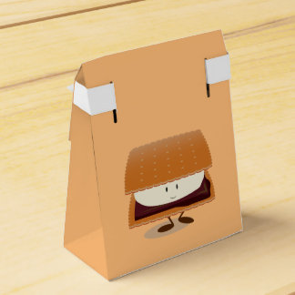 Smiling S'more Favor Box