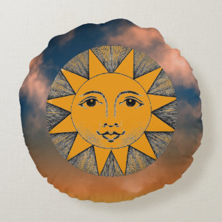 Smiling Sun Round Pillow