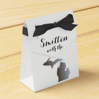 Smitten with the Mitten Favor Box