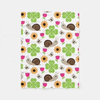Snail & Clover seamless pattern (ver.1) Fleece Blanket