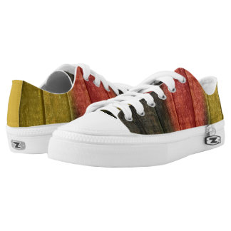 Sneakers in wooden optic with German flag colors
