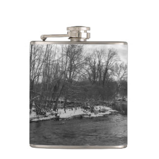 Snow Beauty James River Grayscale Flask